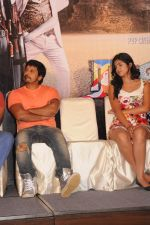 Deeksha Seth, Chiyaan Vikram attends Rajapattai Press Meet (16).jpg