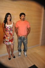 Deeksha Seth, Chiyaan Vikram attends Rajapattai Press Meet (6).jpg