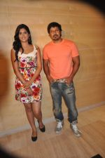 Deeksha Seth, Chiyaan Vikram attends Rajapattai Press Meet (8).jpg
