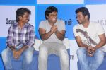Suriya, AR Murugadoss attends 7aum Arivu Press Meet on 26th September 2011 (3).jpg