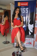 Miss Hyderabad Finalists at Lakme Salon on 26th September 2011 (27).JPG