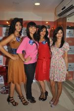 Miss Hyderabad Finalists at Lakme Salon on 26th September 2011 (40).JPG