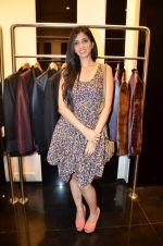 Nishka Lulla at Rocky S showcases Paris Hilton collection and Marie Claire cover launch in Bandra, Mumbai on 28th Sept 2011 (54).JPG