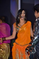 Shweta Tiwari at the Audio release of Mujhse Fraaandship Karoge in Yashraj Studios on 28th Sept 2011 (123).JPG