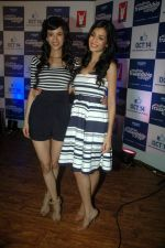 Tara D_Souza, Saba Azad at Yashraj Films Mujhse Fraandship Karoge music showcase in Yashraj Studios on 28th Sept 2011 (61).JPG