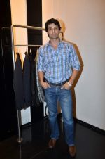 at Rocky S showcases Paris Hilton collection and Marie Claire cover launch in Bandra, Mumbai on 28th Sept 2011 (60).JPG