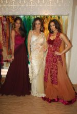 Lisa Haydon, Ira Dubey, Farah Ali Khan at opening of Amber by Ecru Luxury a pret label by Ankur Batra in Kemps Corner on 29th Sept 2011 (40).JPG