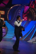 Shahrukh Khan at the Finale of Just Dance in Filmcity, Mumbai on 29th Sept 2011 (42).JPG