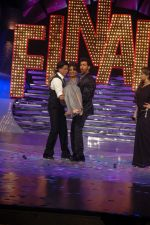 Shahrukh Khan, Hrithik Roshan, Priyanka Chopra at the Finale of Just Dance in Filmcity, Mumbai on 29th Sept 2011 (77).JPG
