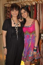Neeta Lulla, Nishka Lulla at Neeta Lulla Nautanki collection launch in Santacruz on 7th Oct 2011 (15).JPG