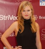 Julia Stiles arrives at the 2011 Skin Sense Award Gala in The Plaza Hotel on 11th October 2011 (2).jpg