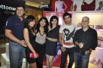 Pallavi Sharda, Vaibhav Talwar, Ashwin Mushran at the launch of Pavers England store in Pheonix mills, mumbai on 11th Oct 2011 (30).JPG