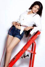 Poonam Kaur Photoshoot (8).jpg