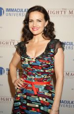 Carla Gugino arrives to the Premiere of _The Mighty Macs_ in Philadelphia on 14th October 2011 (4).jpg