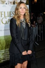 Julia Roberts arrives to the LA premiere of _Fireflies in the Garden_ in Pacific Theatre at The Grove on October 12, 2011 (4).JPG