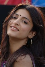 Shruti Haasan in 7aum Arivu 7th Sense Movie Stills (1).JPG