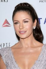 Catherine Zeta-Jones arrives at the 6th Annual _A Fine Romance_ Benefit in Sony Studios on 15th October 2011 (1).jpg