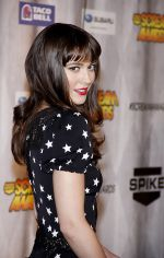 Mary Elizabeth Winstead arrives to Spike TV_s _SCREAM 2011_ in Universal Studios Backlot on 15th October 2011 (1).jpg