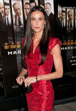 Demi Moore arrives to the _Margin Call_ New York City Premiere in Landmark Sunshine Cinema on 17th October 2011 (3).jpg