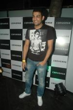 Ashutosh Kaushik at Atul Kasbekar_s Converse bash in Vie Lounge on 19th Oct 2011 (106).JPG