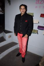 Azeem Khan at Azeem Khan_s festive collection launch in Colaba on 19th Oct 2011 (2).JPG