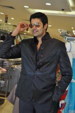 Ganesh Venkatraman attends MEBAZ Winter Wedding Collection Launch on 19th October 2011 (11).JPG