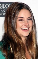 Shailene Woodley attends the 55th Annual Times BFI London Film Festival _The Descendants_ Photocall at Odeon West End, Leicester Square on 20th October 2011 (2).jpg