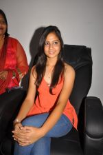 Anushka Shah Lunches Suja_s Beauty Care on 22nd October 2011 (21).JPG