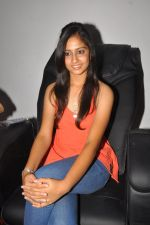 Anushka Shah Lunches Suja_s Beauty Care on 22nd October 2011 (29).JPG