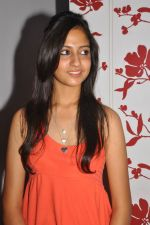 Anushka Shah Lunches Suja_s Beauty Care on 22nd October 2011 (49).JPG