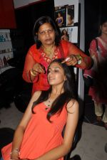 Anushka Shah Lunches Suja_s Beauty Care on 22nd October 2011 (64).JPG