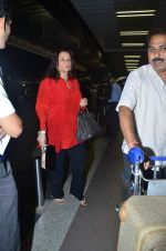 Mumtaz at International Airport, Mumbai on 23rd Oct 2011 (6).JPG