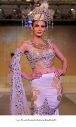Model walk the ramp for Honey Waqar Show at Bridal Asia 2011 on 27th Sept 2011 (5).jpg