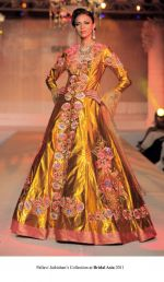 Model walk the ramp for Pallavi jaikishan Show at Bridal Asia 2011 on 27th Sept 2011 (2).jpg