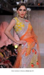 Model walk the ramp for Pallavi jaikishan Show at Bridal Asia 2011 on 27th Sept 2011 (5).jpg