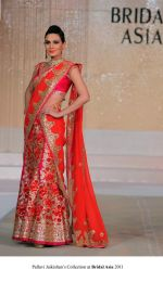 Model walk the ramp for Pallavi jaikishan Show at Bridal Asia 2011 on 27th Sept 2011 (6).jpg