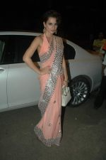 Kangna Ranaut at Jeetendra and Ekta Kapor_s Diwali bash in Juhu, Mumbai on 27th Oct 2011 (37).JPG