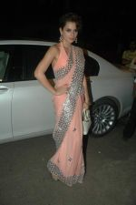 Kangna Ranaut at Jeetendra and Ekta Kapor_s Diwali bash in Juhu, Mumbai on 27th Oct 2011 (38).JPG