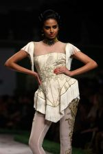 Model walk the ramp for Shantanu Goenka at Wills India Fashion Week 2011 on 10th Oct 2011 (123).JPG