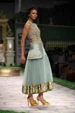 Model walk the ramp for Shantanu Goenka at Wills India Fashion Week 2011 on 10th Oct 2011 (143).JPG