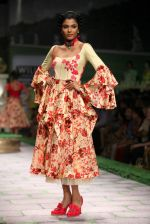 Model walk the ramp for Shantanu Goenka at Wills India Fashion Week 2011 on 10th Oct 2011 (153).JPG