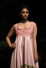 Model walk the ramp for Shantanu Goenka at Wills India Fashion Week 2011 on 10th Oct 2011 (176).JPG
