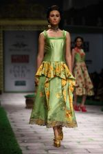 Model walk the ramp for Shantanu Goenka at Wills India Fashion Week 2011 on 10th Oct 2011 (157).JPG