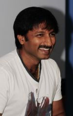 Gopichand attends Red FM promoting Mogudu movie on 28th October 2011 (11).jpg