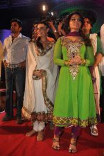 Suniel Shetty, Shweta Bhardwaj, Rakhi Sawant with the star cast of the film The Loot at Sanjay Nirupam_s Chatt Pooja in Juhu Beach on 1st Nov 2011 (37).JPG