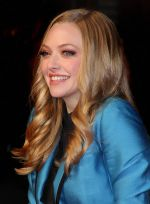 Amanda Seyfried attends _In Time_ UK Premiere in Curzon Mayfair on October 31, 2011 (2).jpg