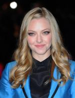 Amanda Seyfried attends _In Time_ UK Premiere in Curzon Mayfair on October 31, 2011 (4).jpg