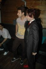 Aryan Vaid, Rohit Verma at Rohit Verma birthday with fashion show in Novotel, Mumbai on 8th Nov 2011 (60).JPG