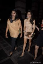 Queenie Dhody at Abu Jani and Sandeep Khosla_s 25th year bash in Grand Hyatt, Mumbai on 8th Nov 2011 (13).JPG