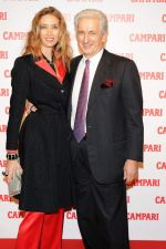 at Campari calendar launch on 27th Oct 2011 (25).jpg